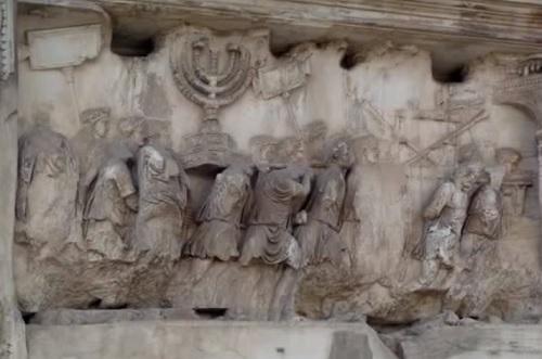 Триумфальная и необыкновенная арка Тита в Риме