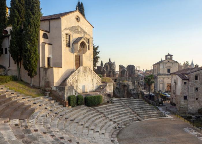 rimskiy-teatr.png